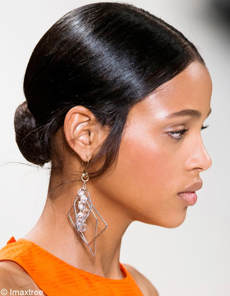 Chignon Bas - Les 4 coiffures tendances et simples - Mode Actuelle